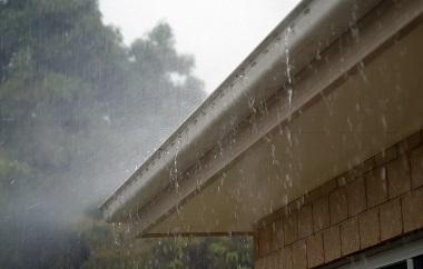 canalones dañado agua Alcala de Henares